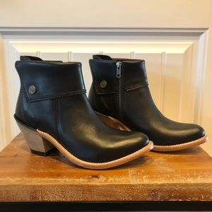 New Old West Black Booties Size 7.5